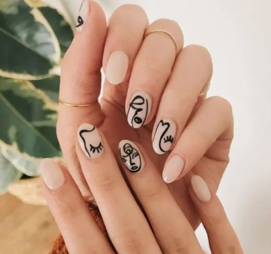 LE TOP 3 DES TENDANCES NAIL ART A ADOPTER EN 2021